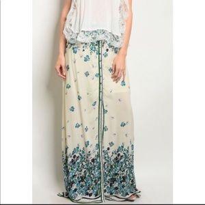 Dresses & Skirts - BOHO CHIC ✨TEAL & CREAM FLORAL PRINT MAXI SKIRT